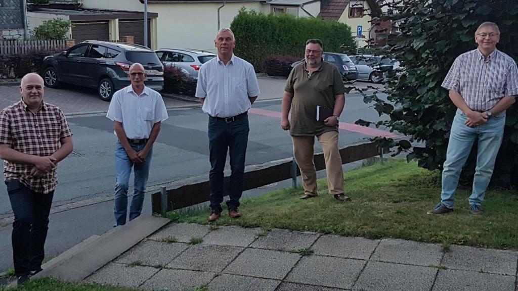 Auf dem Foto von links nach rechts:  Carsten Georg, Vorsitzender, Helge Gruß, stellv. Vorsitzender, Frank Kellner, Ralph Böhm, 2. stellv. Bürgermeister und Ullrich Bräuning, stellv. Vorsitzender